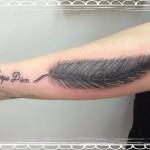 Carpe Diem Feder Tattoo