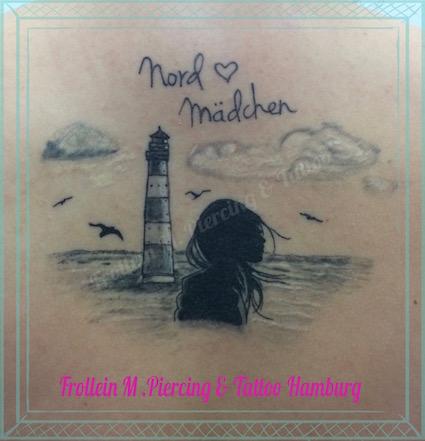 Mädchen am Meer Rücken Tattoo
